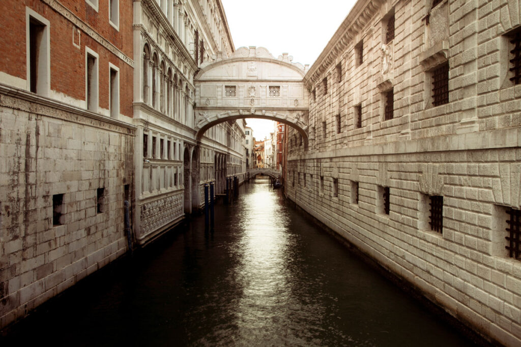Ponte dei Sospiri di Venezia al tramonto