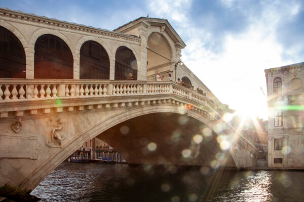 Ponte di Rialto al tramonto
