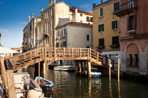Ponte in legno sui canali di Cannaregio