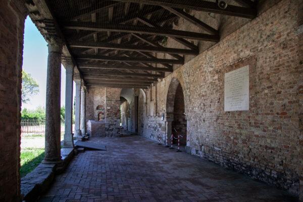 Porticato della basilica di Santa Maria Assunta a Torcello