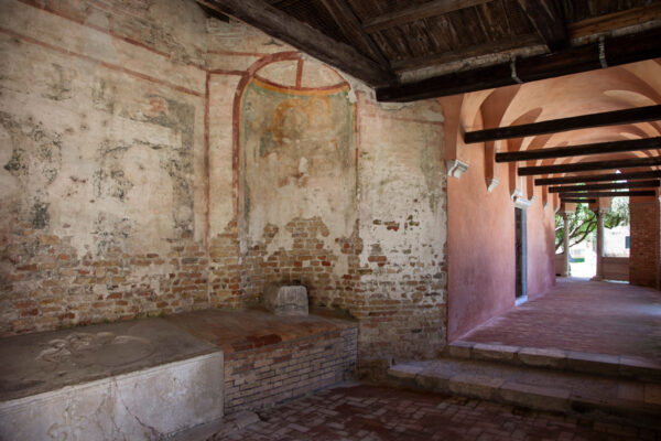 Portico della chiesa di Santa Fosca
