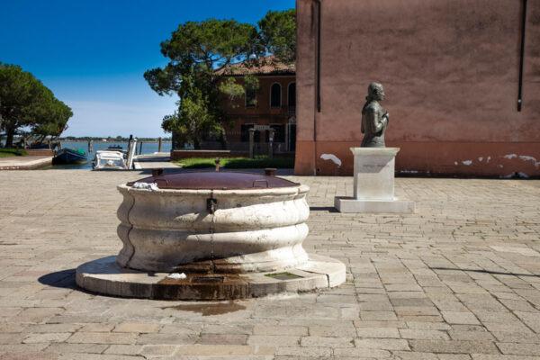 Pozzo di piazza Galuppi a Burano