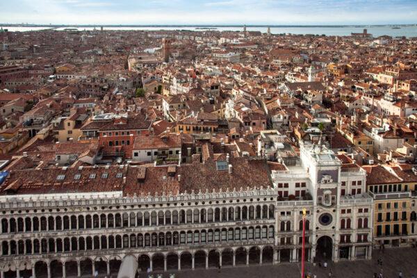 Torre dell'Orologio di San Marco vista dal campanile
