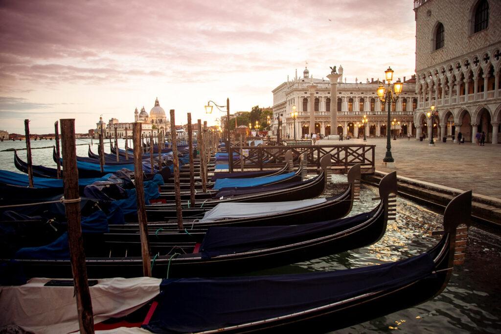 Venezia - Gondole in piazza San Marco