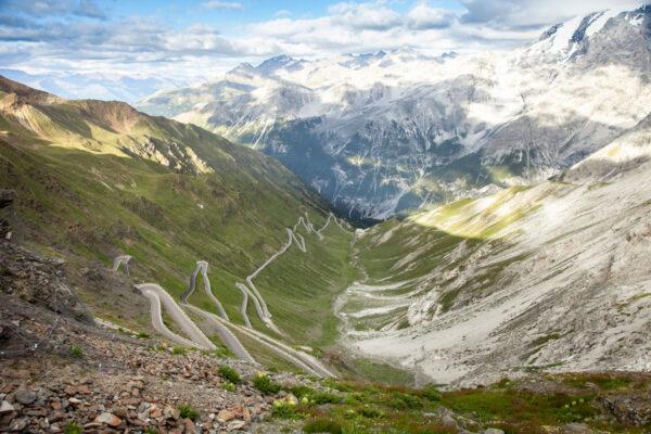 48 tornanti della strada altoatesina del Passo dello Stelvio - Passione per il ciclismo