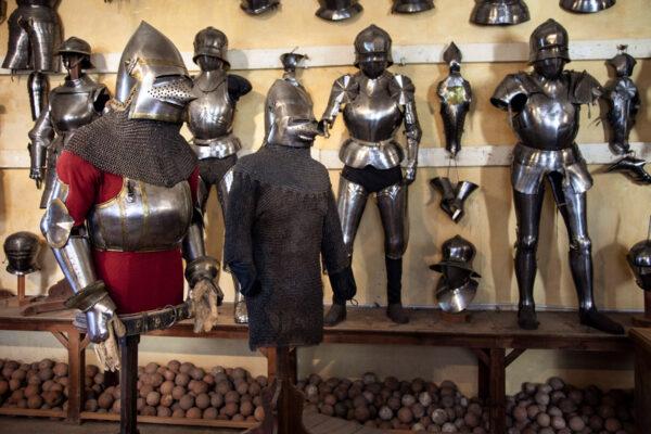 Armature di Castel Coira - più antica armatura esistente del 1365