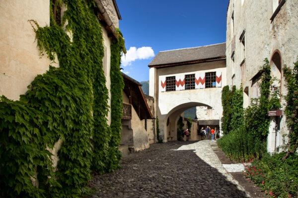 Castello romanico gotico e rinascimentale