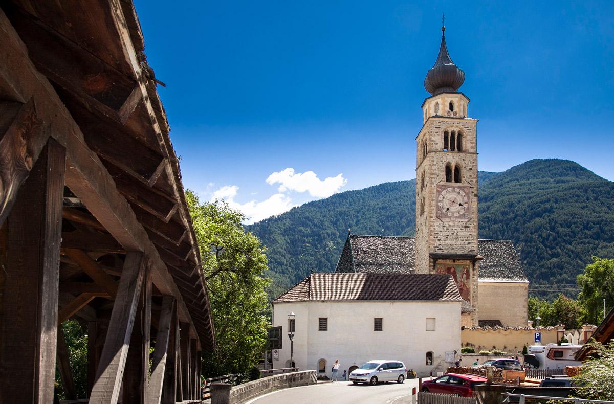 Chiesa di San Pancrazio e ponte in legno