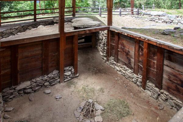 Edificio romano scavato nella terra a Ganglegg