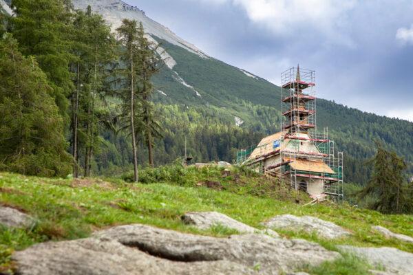 Facciata della Chiesetta di Sant'Anna a Curon Venosta