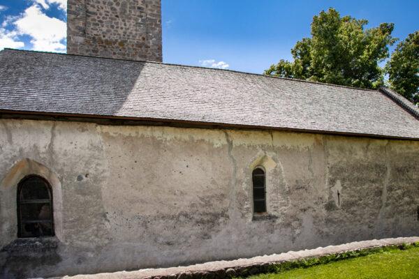Fiancata della chiesa di San Martino - Malles Venosta
