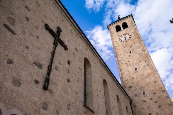 Fiancata della chiesa di San Sebastiano a Resia