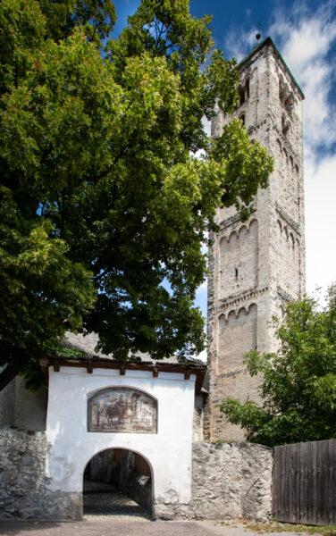 Ingresso alla chiesa di San Martino a Malles Venosta