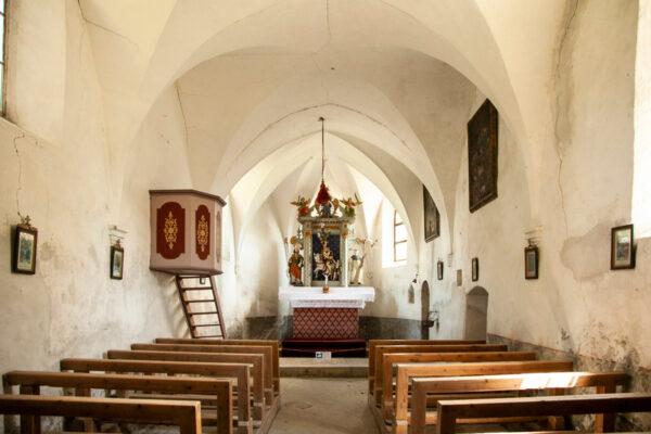 Interni della chiesa di San Martino di Malles Venosta