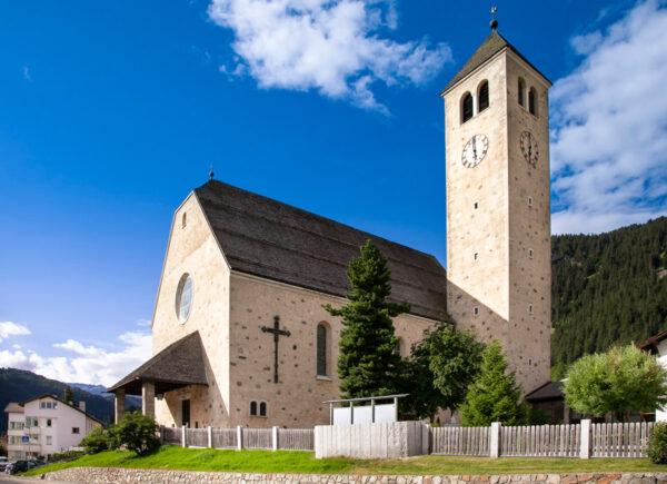 La grande chiesa di San Sebastiano a Resia