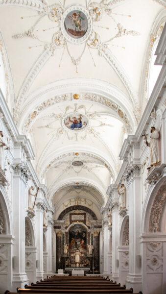 Navata interna della chiesa di Nostra Signora - Burgusio