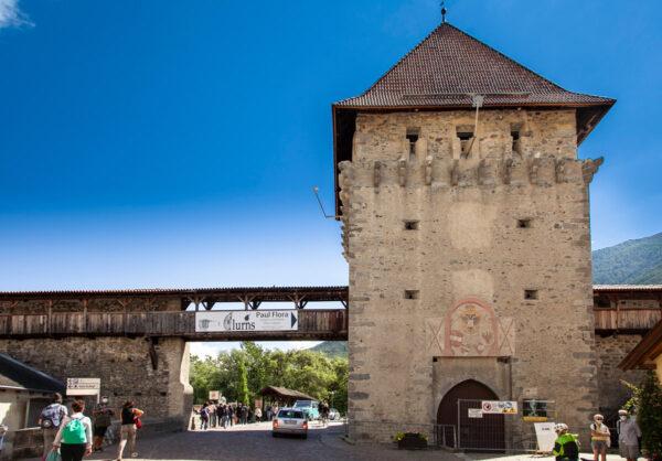 Porta della chiesa di Glorenza