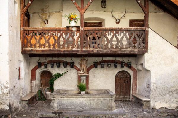 Pozzo nel campanile del castello
