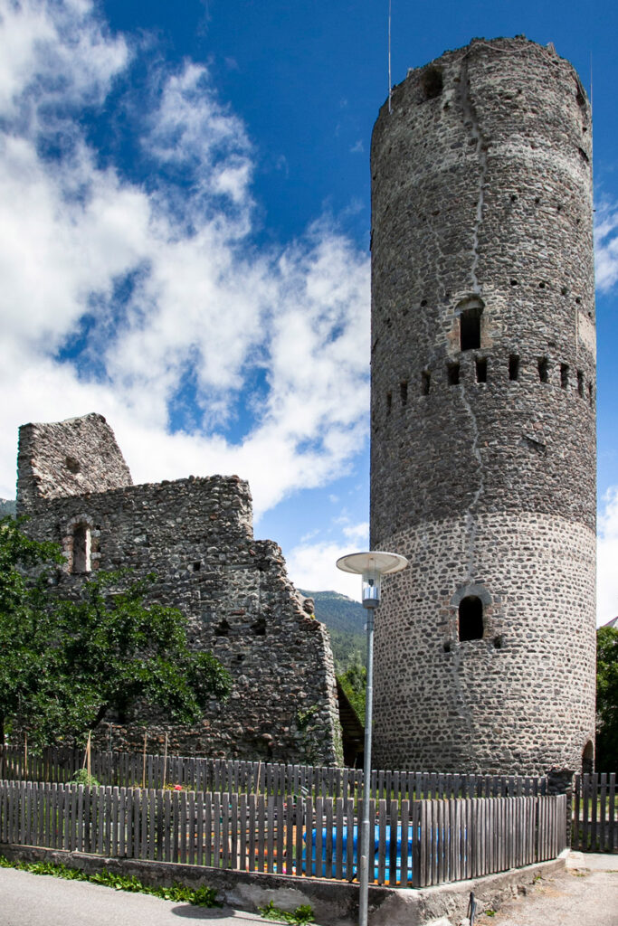 Torre Fröhlich - Cosa vedere a Malles Venosta