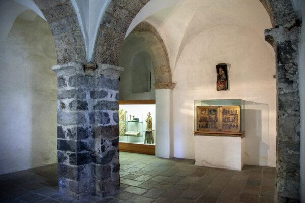 Vecchia cappella di Castel Coira - Reperti antichi