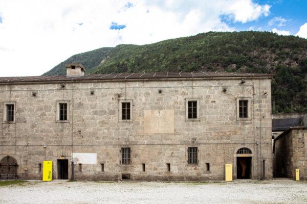 Accesso alla mostra permanente - Cortile interno del Forte di Fortezza