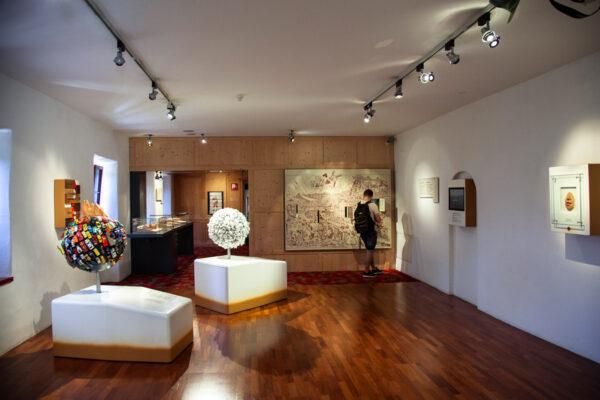 Allestimento del museo sul turismo a Castel Trauttmansdorff