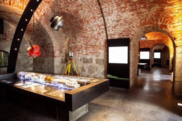 Allestimento sale con la Mostra Galleria di Base del Brennero