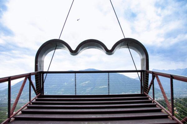 Binocolo di Matteo Thun - Scalinata e struttura in metallo
