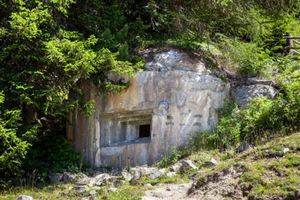 Bunker sopra allo sbarramento del Pian dei Morti