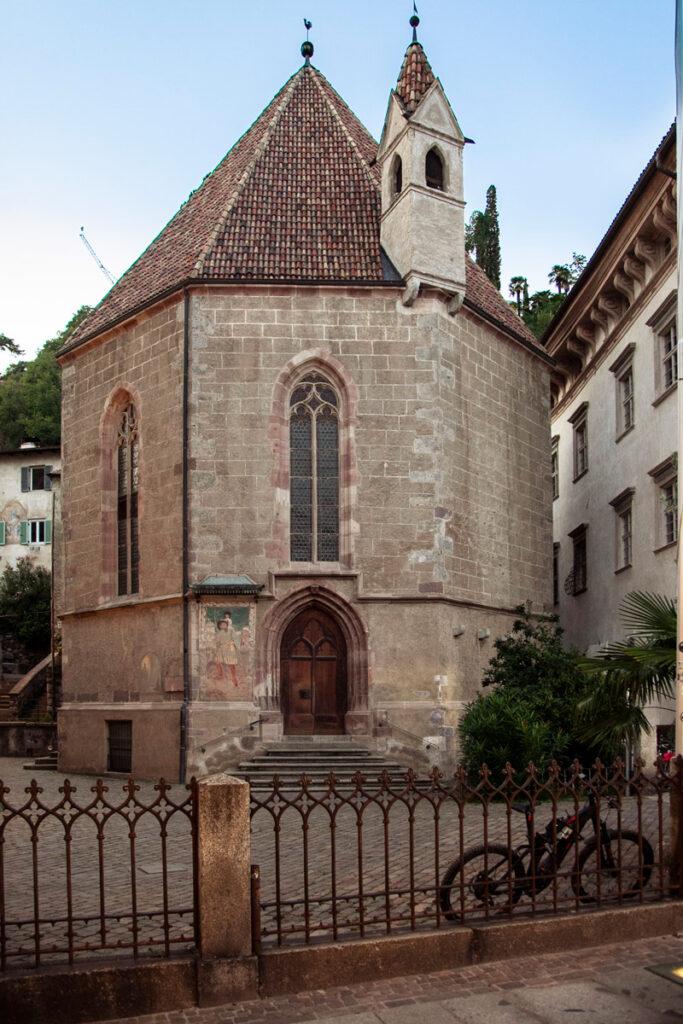Cappella di Santa Barbara dietro al duomo cittadino
