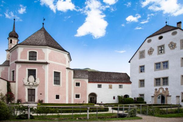 Chiesa di Santa Elisabetta vista dal complesso della commenda dell'Ordine Teutonico