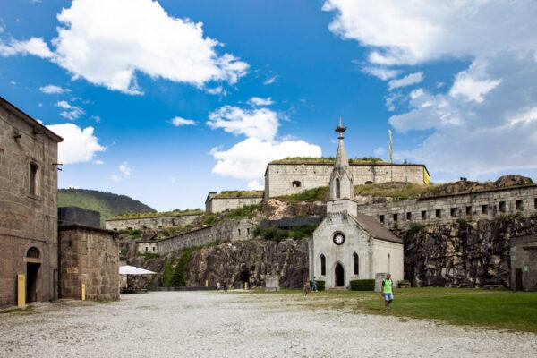 Cortile interno del Forte di Fortezza