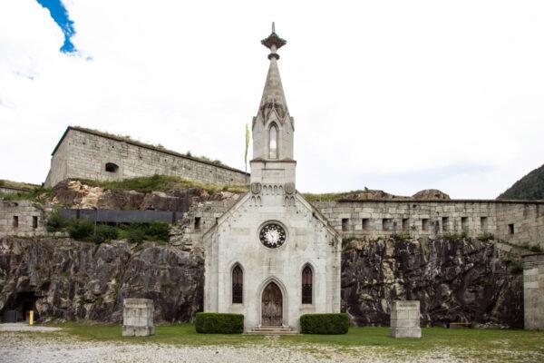 Facciata della cappella del Forte di Fortezza