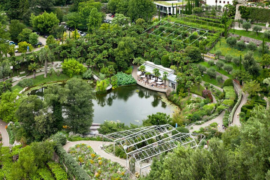 Giardini acquatici e terrazzati con laghetto delle ninfee e laghetto dei fiori di loto - Castel Trauttmansdorff