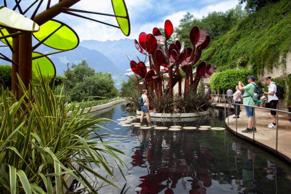 Il Giardino degli innamorati e le sue isolette nel lago