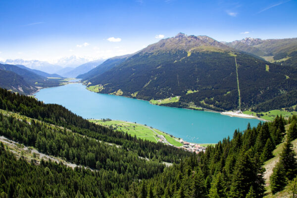 Lago di Resia - Lago artificiale in Val Venosta