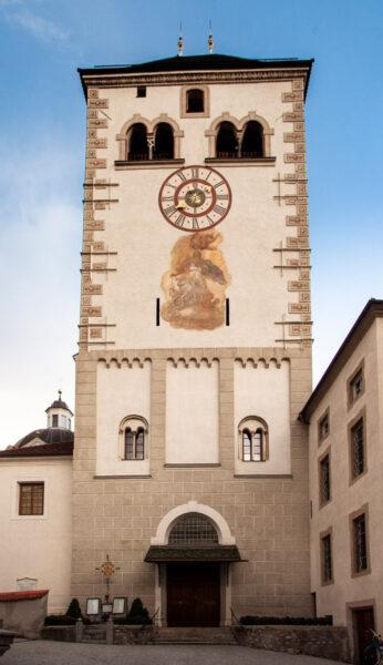 Campanile e ingresso alla basilica di Santa Maria Assunta - Novacella