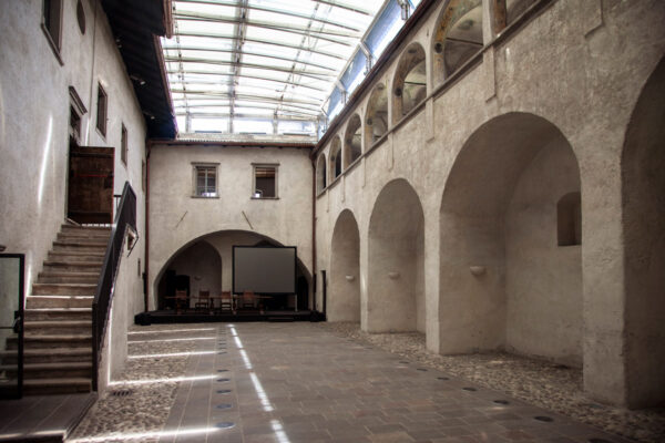Cortile interno del Castel Mareccio