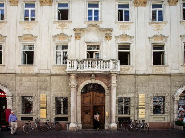 Palais Campofranco su via della Mostra