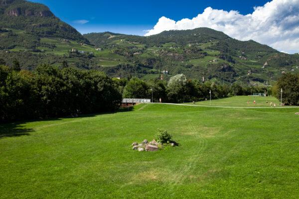 Parco Petrarca al fianco del torrente Talvera