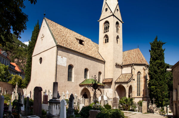 Vecchia chiesa parrocchiare di Gries e antico cimitero