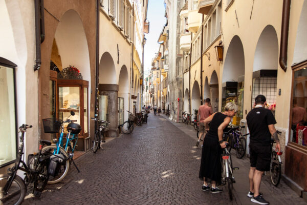 Via dei Portici - Strada piu antica della città