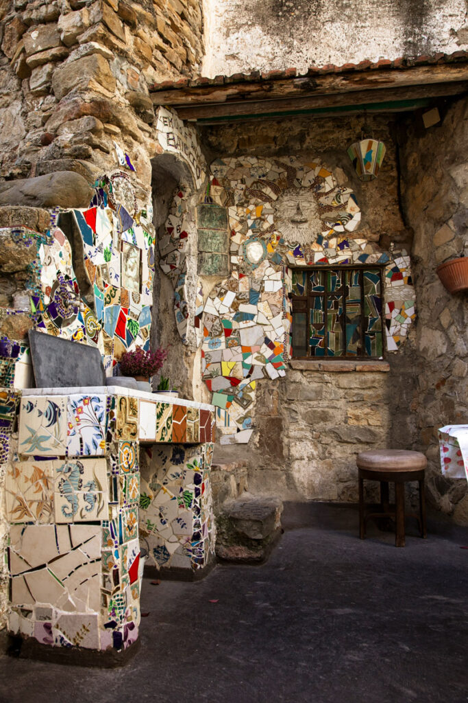 Case degli artisti a Bussana Vecchia - cucina esterna