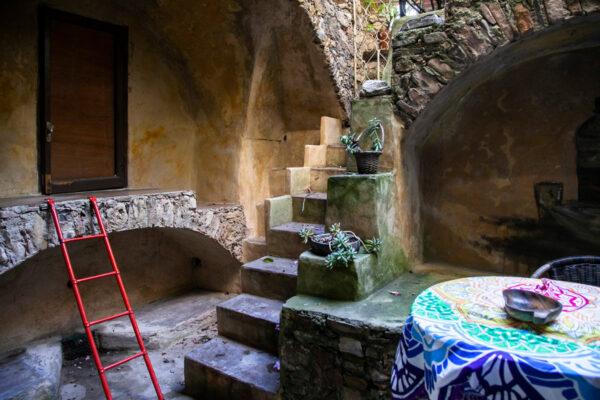 Cortile interno - Casa degli artisti di Bussana Vecchia