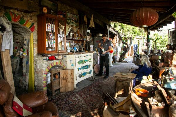 Cucina all'aperto e gli hippy di Bussana Vecchia