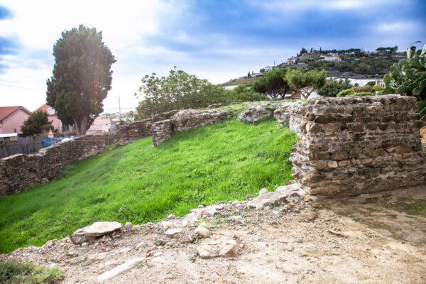 Resti della villa Romana di Bussana