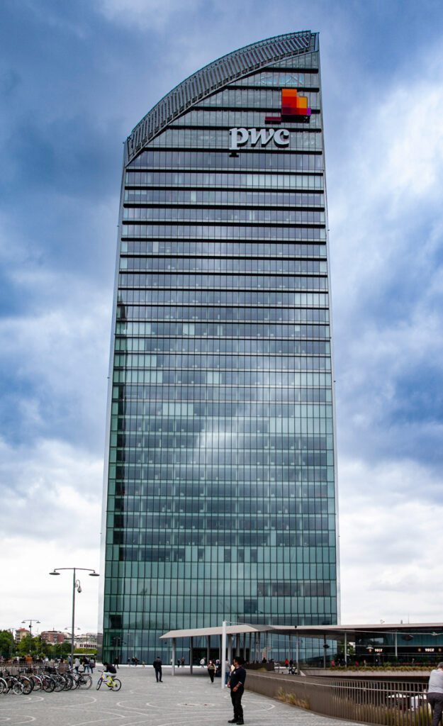 La torre PWC di Tre Torri a CityLife