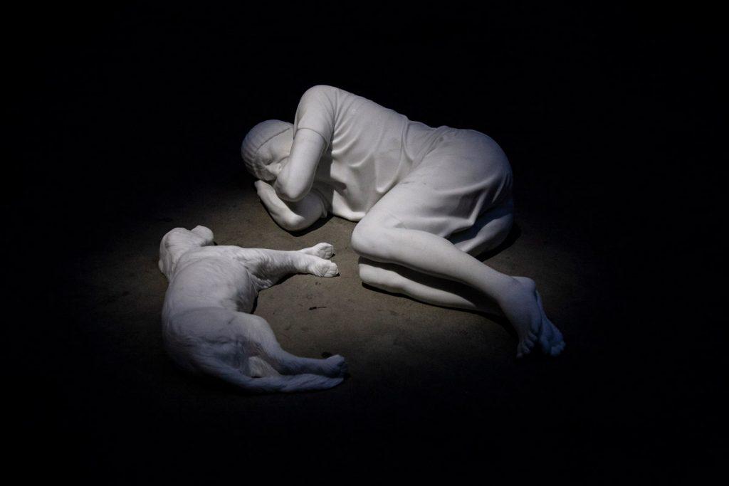 Breath - Statua in marmo di Carrara di Maurizio Cattelan