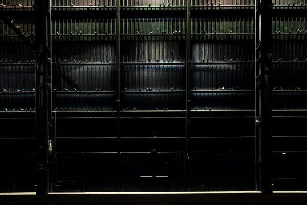 Ghosts - Piccioni di Maurizio Cattelan in tutto Hangar Bicocca - Breath Ghosts Blind