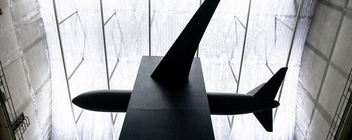 Opera su 11 settembre - Blind di Maurizio Cattelan ad Hangar Bicocca